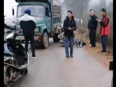 今早上甘棠发生一起摩托车和后驱动相撞事故